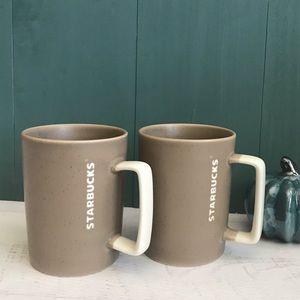 🍁 set of 2 Starbucks mugs